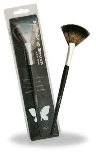 Konad Art Make up Brush - Fan Brush