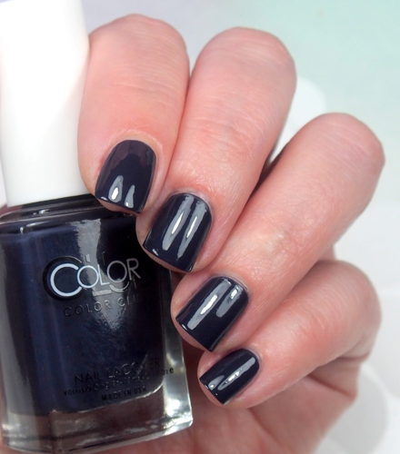 Color Club - She's So Vamp - CREEP IT REAL